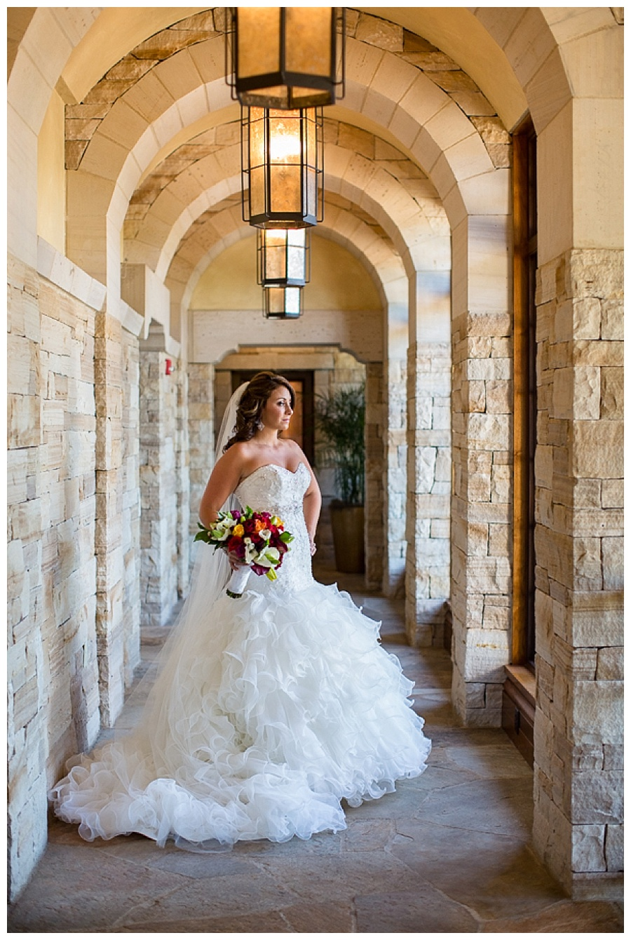 06 Bride in hallway at sanctuary golf course